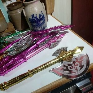 Other - Lot Of Mardi Gras Tomahawk Throws